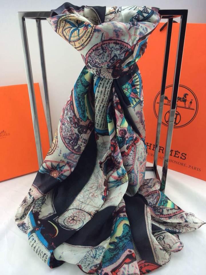 foulard hermes boutique en ligne foulard hermes arancione foulard hermes 1993. Black Bedroom Furniture Sets. Home Design Ideas