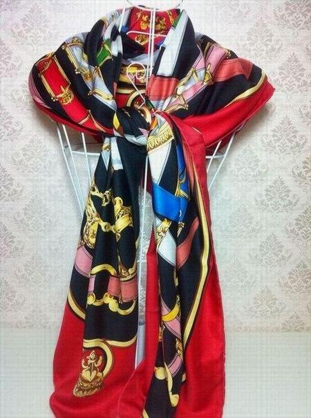 foulard hermes collection hiver 2013 foulard hermes 1972 foulard hermes fantaisie indienne. Black Bedroom Furniture Sets. Home Design Ideas