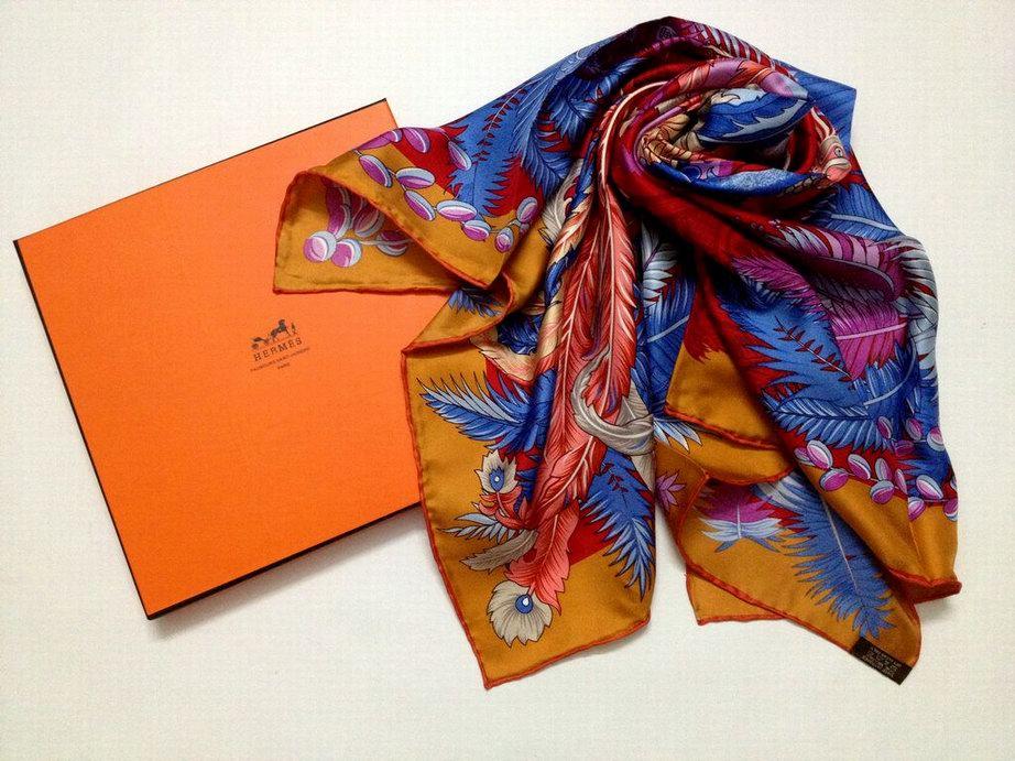 foulard hermes grand apparat foulard hermes storia foulard hermes paquebot france. Black Bedroom Furniture Sets. Home Design Ideas